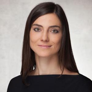 Dr. Lenka Staun